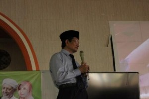 Wakil Menteri Agama RI Bapak Prof. Dr. H. Nasarudin Umar, M.A. sedang memberikan kuliah umum di Yayasan al-Ashriyyah Nurul Iman, Parung (21/8).