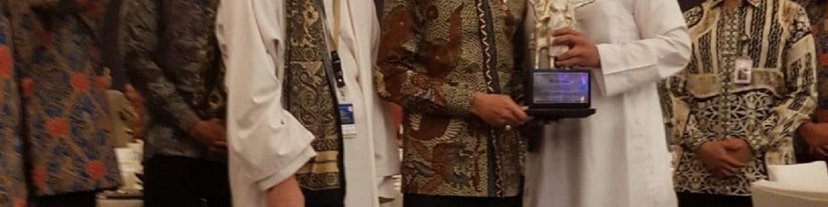 Umi Waheeda mendapat penghargaan Bank Indonesia Award 2019